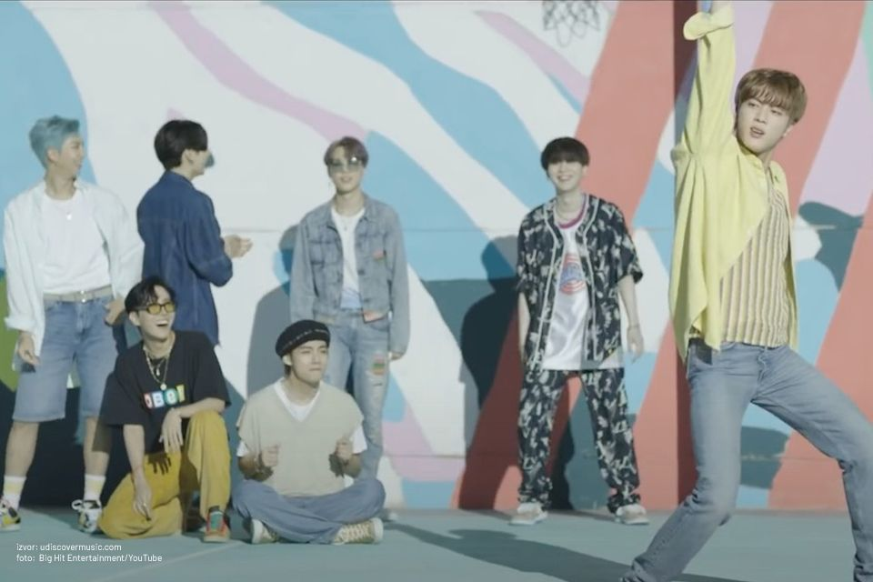 "BTS podelili razigrani alternativni video za ""Dynamite"""